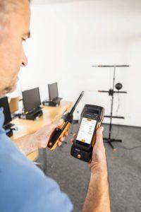 Комплект testo 400 для оценки качества воздуха и уровня комфорта в помещении со стойкой (0563 0401)
